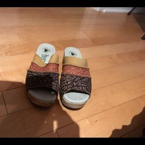 El natura lista multi color clogs size 8